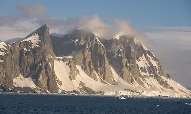 Scientists discover 91 volcanoes below Antarctic ice sheet