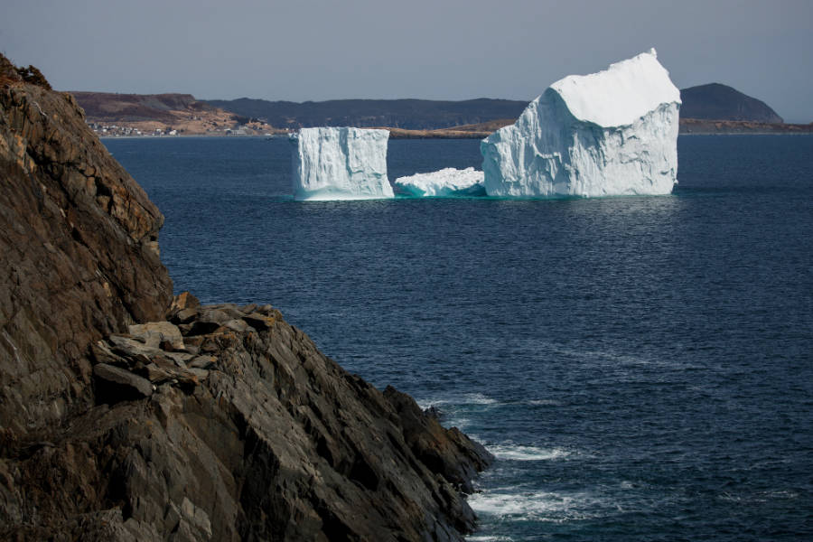 'Extreme' Iceberg Seasons Threaten Oil Rigs and Shipping as the Arctic Warms