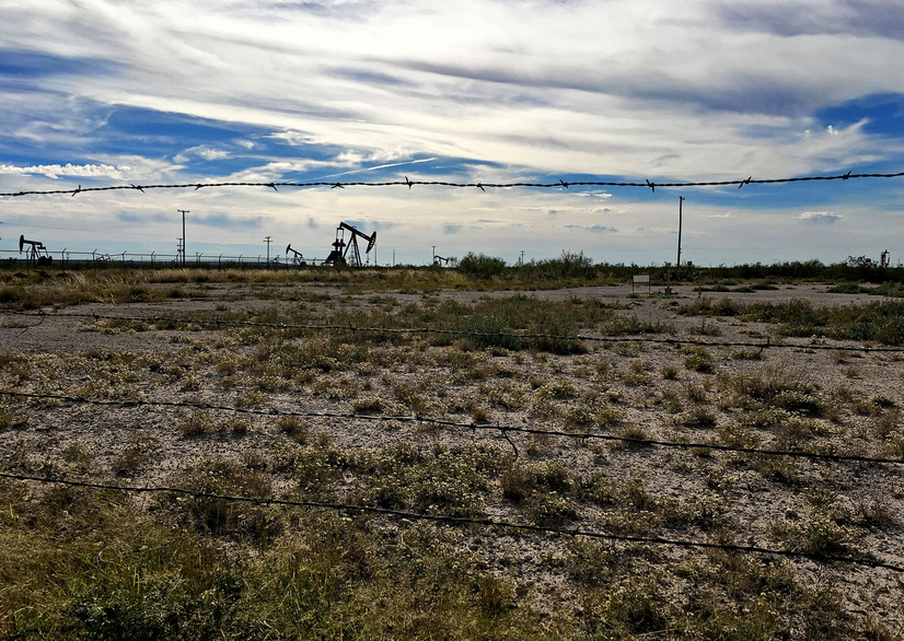 Fracked Shale Oil Wells Drying Up Faster than Predicted, Wall Street Journal Finds