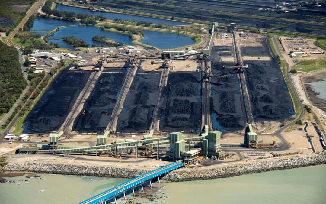 Great Barrier Reef authority gives green light to dump dredging sludge