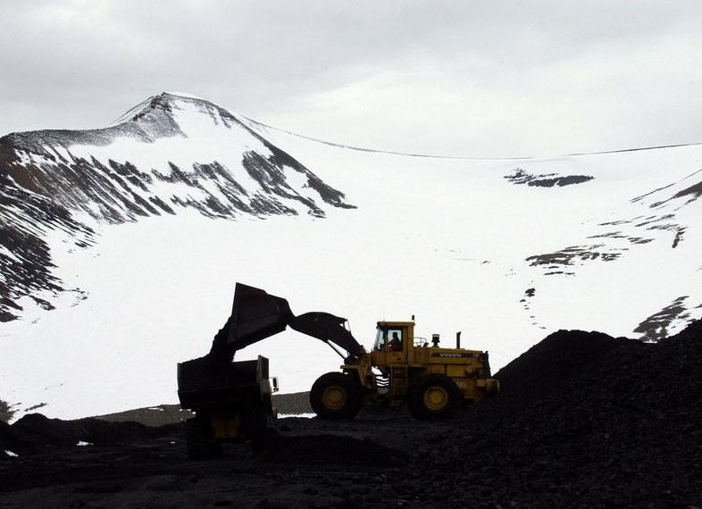 Russia finds market for its vast reserves of Arctic coal