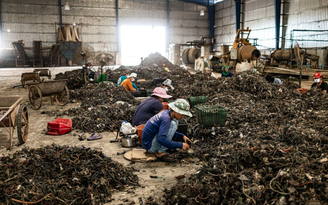 The Price of Recycling Old Laptops: Toxic Fumes in Thailand's Lungs