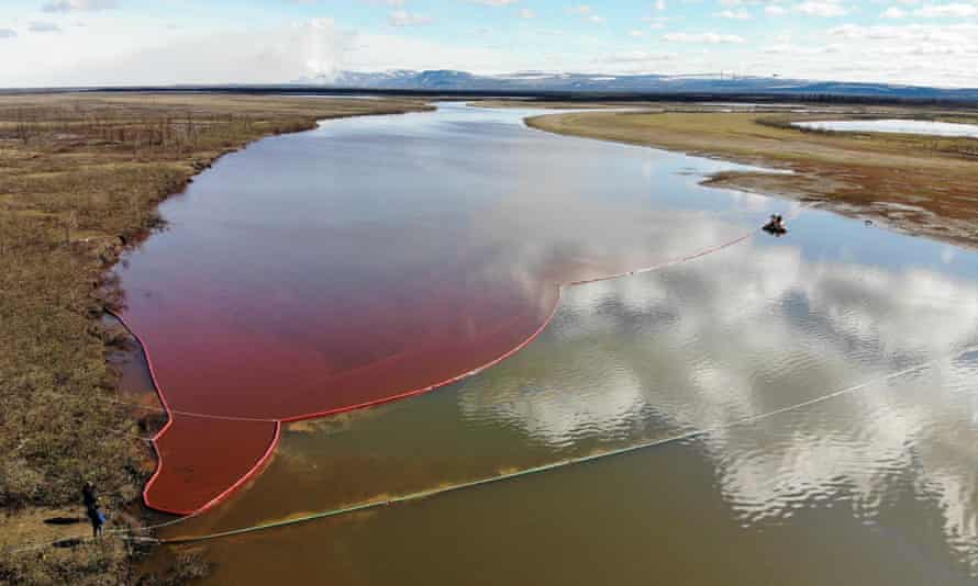 About 20,000 tonnes of diesel fuel has spilled into the Ambarnaya River outside Norilsk