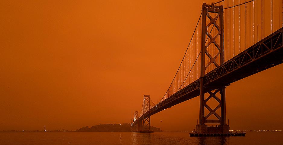 Smoke at the Golden Gate Bridge