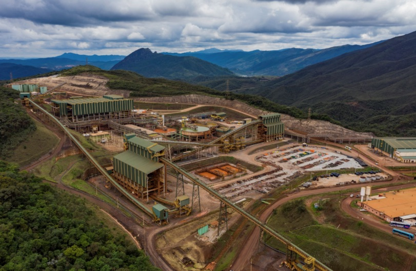 Vale's decomissioned Brazil dam at risk of collapse, labor body says